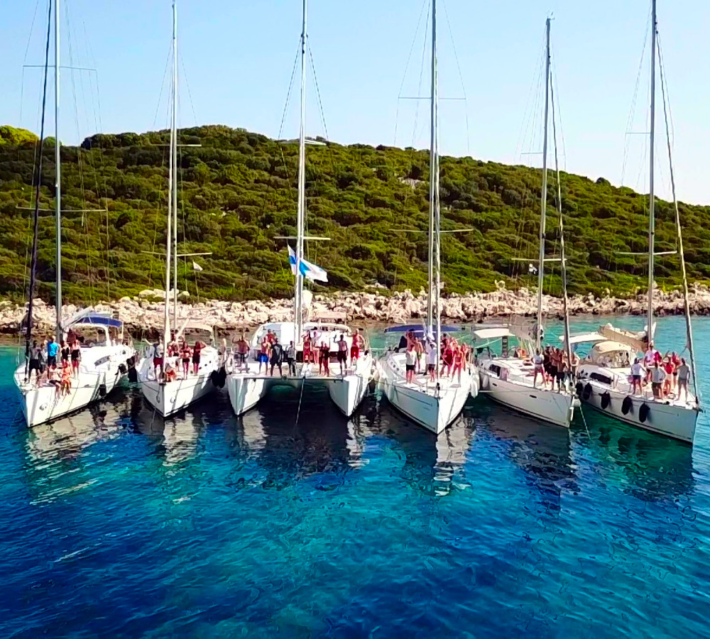 Kreikan saaristossa on upeat puitteet viettää purjehduslomat.